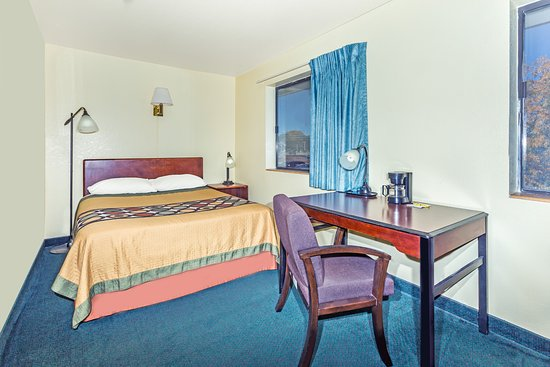 Greeley, CO: 3 Queen size suite