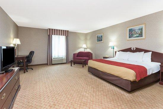Baymont Inn & Suites Cordele : Jacuzzi Suite