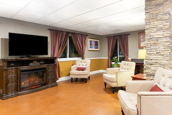 Cordele, GA: Lobby Sitting Area