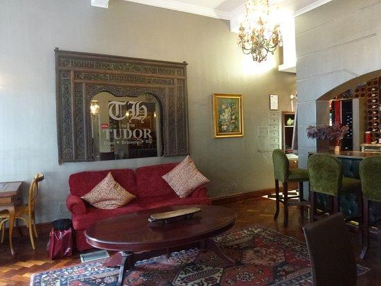 Tudor Hotel: bar