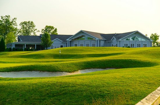 Henryville, IN: Clubhouse view from Hole #18