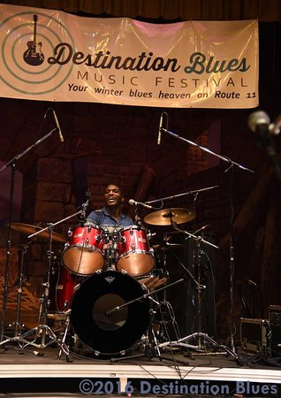 ‪‪Bloomsburg‬, بنسيلفانيا: Cedric Burnside at the Destination Blues Music Festival‬