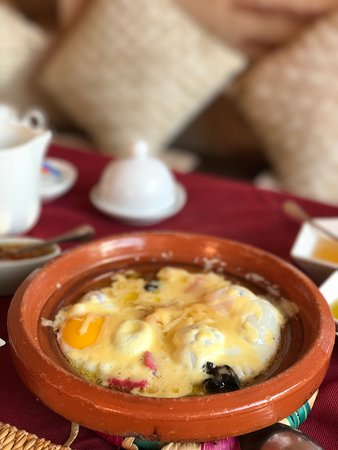 Riad Anabel: Best brekkie ever in Morocco! ~ Olives, homemade Amlou (Delicious), Argon & olive oil, Egg tagin