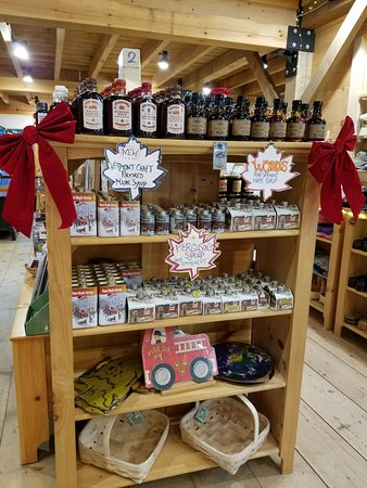 Putney, VT: Product display at the Hidden Springs Farm Store