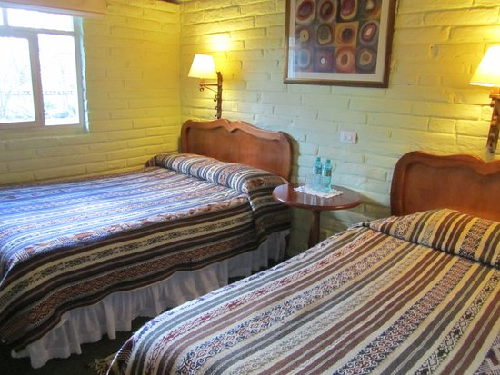Las Palmeras Inn: bedroom