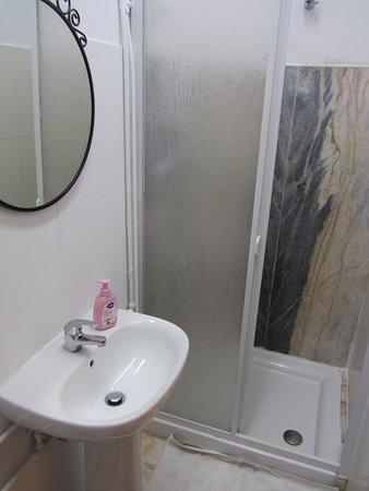 Baluarte Citadino - Stay Cool Hostel : bagno privato