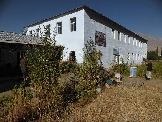 Ishkashim, Tajikistan: Alter Kasten - aber trotzdem ganz ordentlich