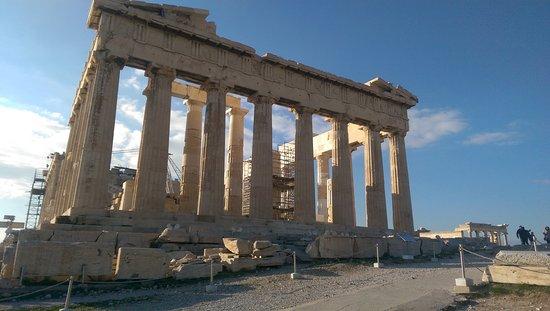 Acropolis Hill Hotel: IMAG0020_large.jpg