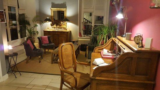 Senlis, France : 20161122_191755_large.jpg