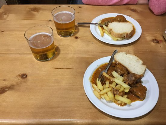 Restaurante bar avila en granada con cocina tapas for Grifos y tapas granada