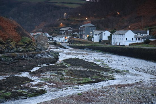 Boscastle, UK: Dusk looking from the quay back to the village