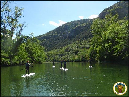 Tanara Aventure: Stand up paddle dans les Gorges du Tarn.
