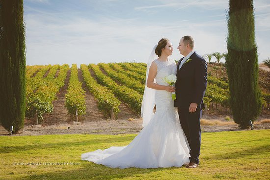 Weddings at Toca Madera Winery