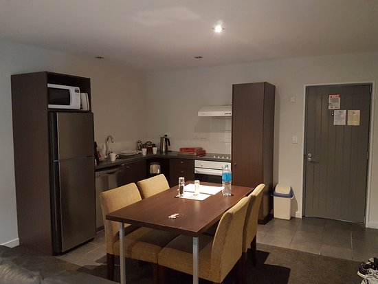 Airport Lodge Motel: Kitchen
