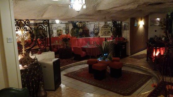 Tresserve, Prancis: grand sous sol très bien décoré divisé en plusieurs zones .
