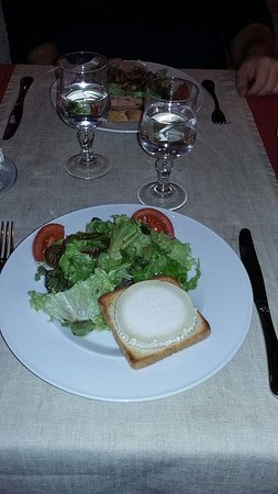 Mussidan, France: salade chèvre chaud