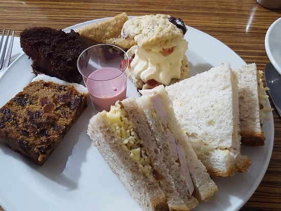Northwich, UK: Festive Afternoon Tea