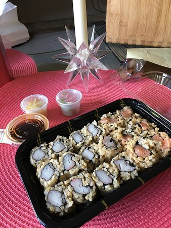 Tenafly, NJ: 2 Crab Rolls& and Spicy Salmon Roll w/ brown rice 💜💟✌🏼️