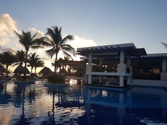 Excellence Playa Mujeres: 20161209_073803_large.jpg