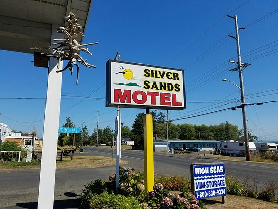 McBee's Silver Sands Motel