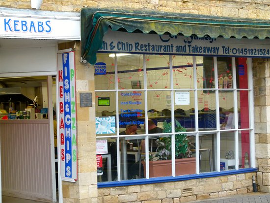 Cor Blimey Fish & Chips: Room to dine inside.