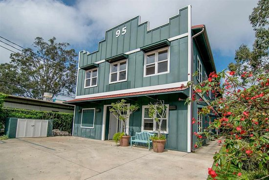 Our beloved Building at 95 Makawao Ave.