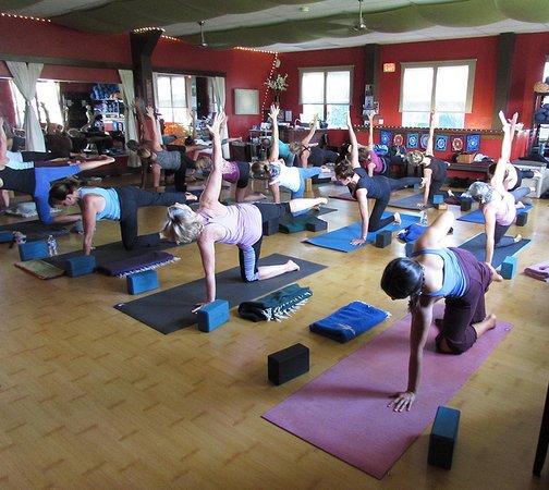 Makawao, HI: Wisdom Flow Yoga Class