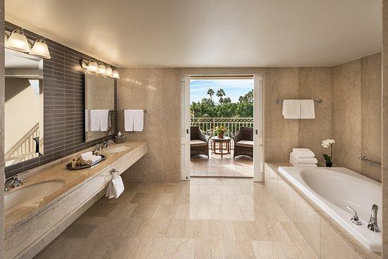 The Phoenician, Scottsdale : Presidential Suite Master Bathroom