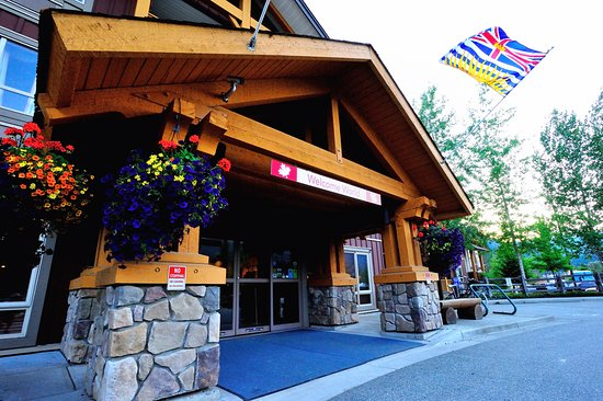 Pemberton valley lodge updated 2017 prices hotel for Pemberton cabins