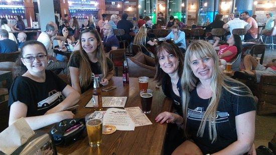Oakland Park, Flórida: Degustando cervezas en el Funky Buddha Brewery!!!