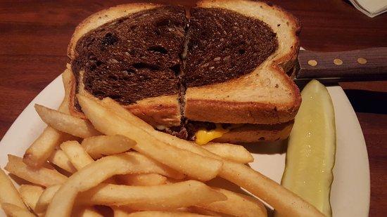 Monroe, MI: Patty Melt & fries