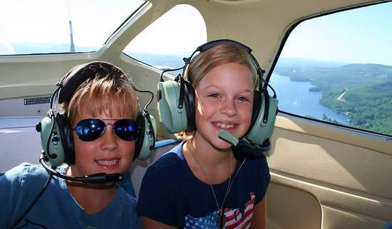 Lakes Region Seaplane Services : Make great family memories!