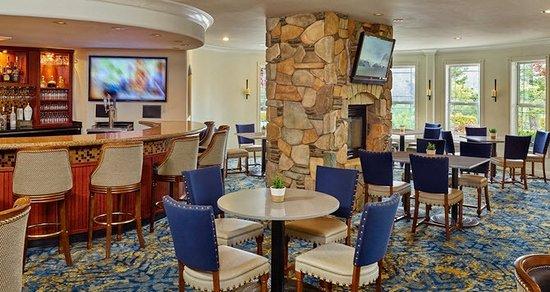 Hilton Santa Cruz / Scotts Valley: Stonehouse Bar & Grill