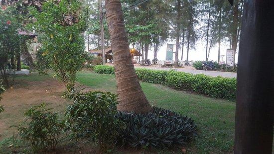 Koh Yao Beach Bungalows: 20161208_180548_large.jpg