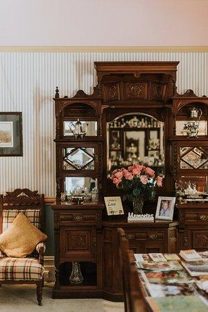 Mudgee, Australia: Authentic Original Antique Furniture