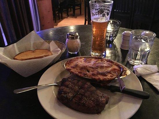 Ladner, แคนาดา: Steak & Lasagna