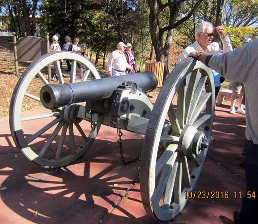 Clarksville, TN: Guns used at Fort II