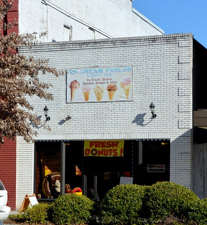Statesville, NC: Store Front