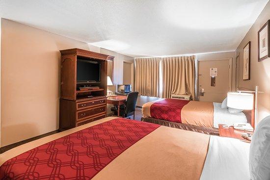 Yakima, WA: TWO QUEENS BED ROOM