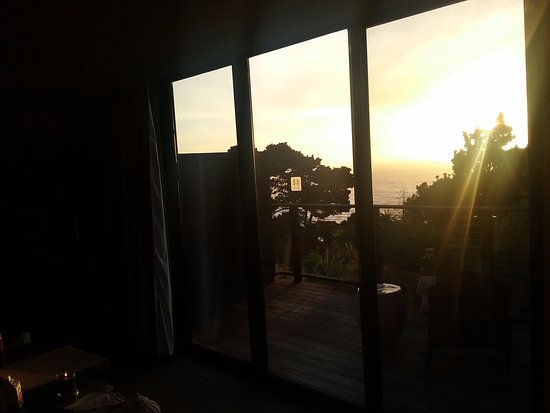 Little River, CA: Sunset from our room and private deck area
