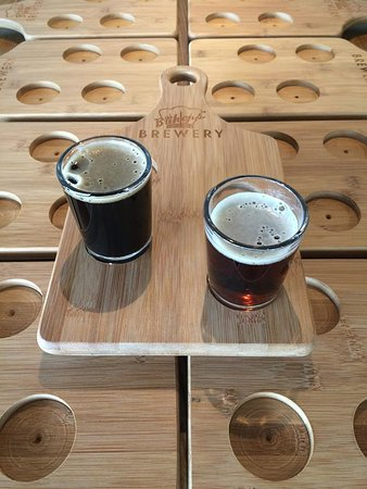 Silverthorne, CO: Samples boards of four, four ounce Beers