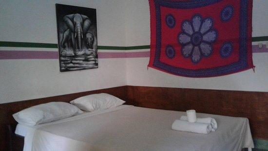 Pondok Twins Garden: double bad,air con room,wi-fi,hangmock,breakfast