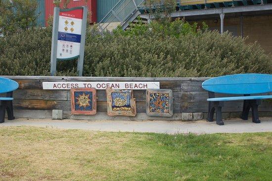 Lakes Entrance, أستراليا: Zugang zum Strand