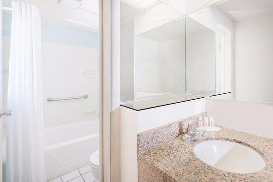 สเตทสโบโร, จอร์เจีย: Standard Bathroom