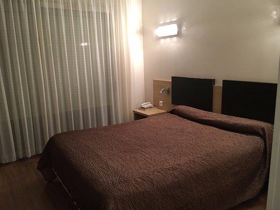 nouveau linge de lit passage en couette photo de hotel poretta lucciana tripadvisor. Black Bedroom Furniture Sets. Home Design Ideas