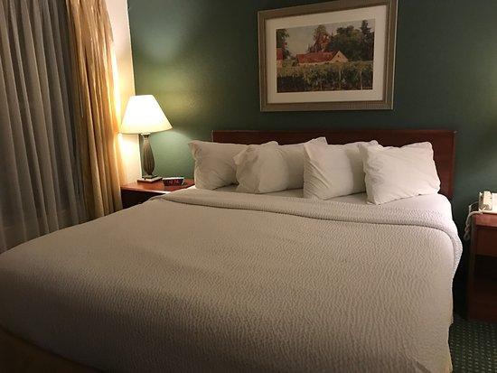 Roseville, CA: Bed