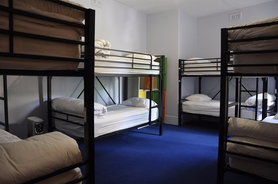 Backpackers Imperial Hotel: 8-Bed Mixed Dorm