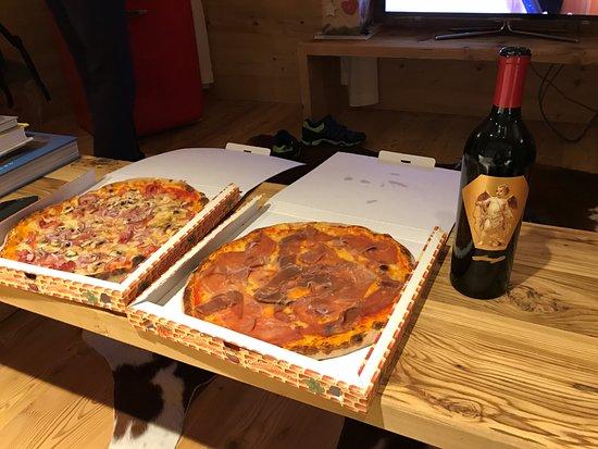Zuoz, Ελβετία: The most delicious Pizza ever