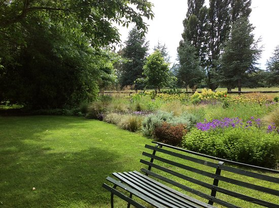 Flaxmere Garden : Sit and smell the roses literally....