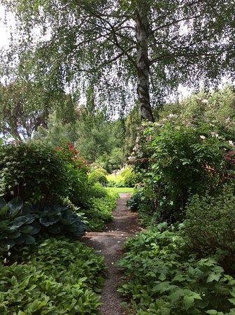 Flaxmere Garden : What is around the corner?